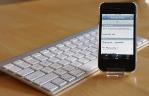 iPhone and Bluetooth keyboard, photo by multimedia journalist and environment reporter Pamela Wood.