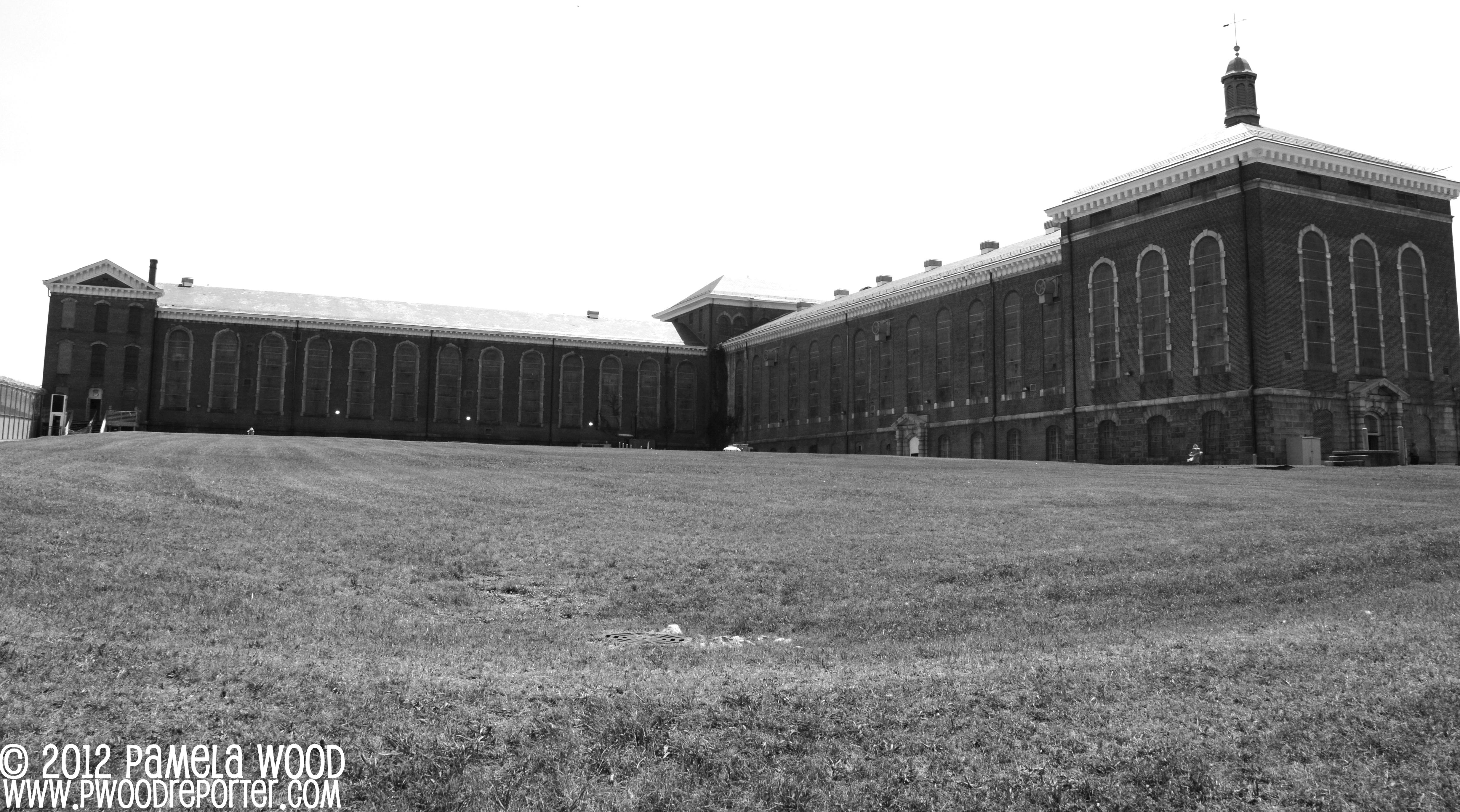 http://pwoodreporter.files.wordpress.com/2012/08/prison23-copy.jpg